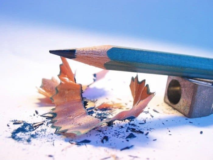Bút chì gỗ tốt 1 - HB trên cây bút chì có ý nghĩa gì?