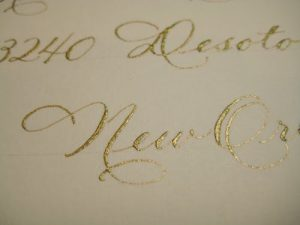 100701 1720 300x225 - Bút mực nhũ ánh kim dùng để viết thiệp cưới