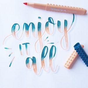 17662297 1329716397114406 3414237286487818240 n 300x300 - Những tác phẩm calligraphy ấn tượng từ cây bút Artline Stix