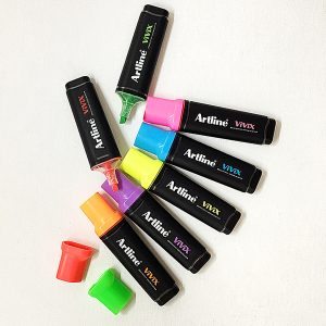 Artline 670 300x300 - Lợi ích bút dạ quang màu xanh lá