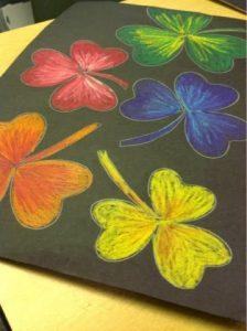 Hướng dẫn bé vẽ tranh sáp dầu 5 224x300 - Hướng dẫn bé vẽ tranh với Bút Sáp Artline Pastel EOP-A-12S