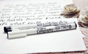 but viet artline but3 jpg 5 300x187 - Tự viết thiệp thư pháp tặng bạn bè bằng bút Calligraphy Artline.