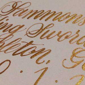 ui 002101 dr.martin iridescent calligraphy ink 08 36b22f05 8f7f 42aa 68a3 2f57bdb62295 grande 300x300 - Bút mực nhũ ánh kim dùng để viết thiệp cưới