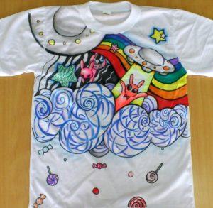 ve ao 2 300x293 - Bút vẽ áo giặt không phai Artline T-shirt marker