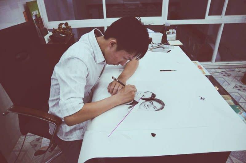 """ng Tuấn Bảo luôn cố gắng làm mới các bức vẽ của mình với các chất liệu khác nhau. - Phá cách vẽ chân dung theo phong cách """"one-stroke"""""""