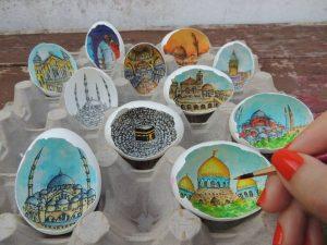 12065865 10208325026311694 3727539791591532141 n 300x225 - Sự tài tình từng nét vẽ Artline trong vỏ quả trứng của nữ họa sĩ Thổ Nhĩ Kỳ