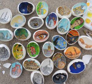 13310445 10209991342088547 3031117765939815596 n 300x273 - Sự tài tình từng nét vẽ Artline trong vỏ quả trứng của nữ họa sĩ Thổ Nhĩ Kỳ