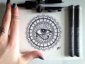eye of horus by nihilazari d8zc6qx 300x225 - Cảm hứng Artline #6: Vẽ phong cách tatoo Dotwork với bút kỹ thuật Artline