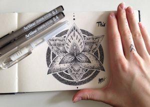 lily dotwork  by nihilazari d8z1z1q 300x214 - Cảm hứng Artline #6: Vẽ phong cách tatoo Dotwork với bút kỹ thuật Artline